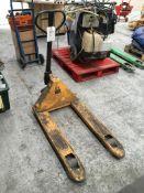 Total Lifter 2,500 kg pallet truck, YOM: 2011