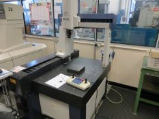 Mitutoyo Crysta Apex 754 co-ordinate measuring machine Serial no. 35130812. *A work Method