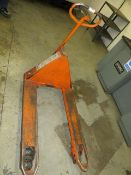 Rubur Stanley Pallet Truck (note collection last day of clearance only Wednesday 25th March 2020)
