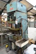 "Hounsell hydraulic single ram vertical press, approx 40 ton capacity, 20"" x 14"" table size (please"