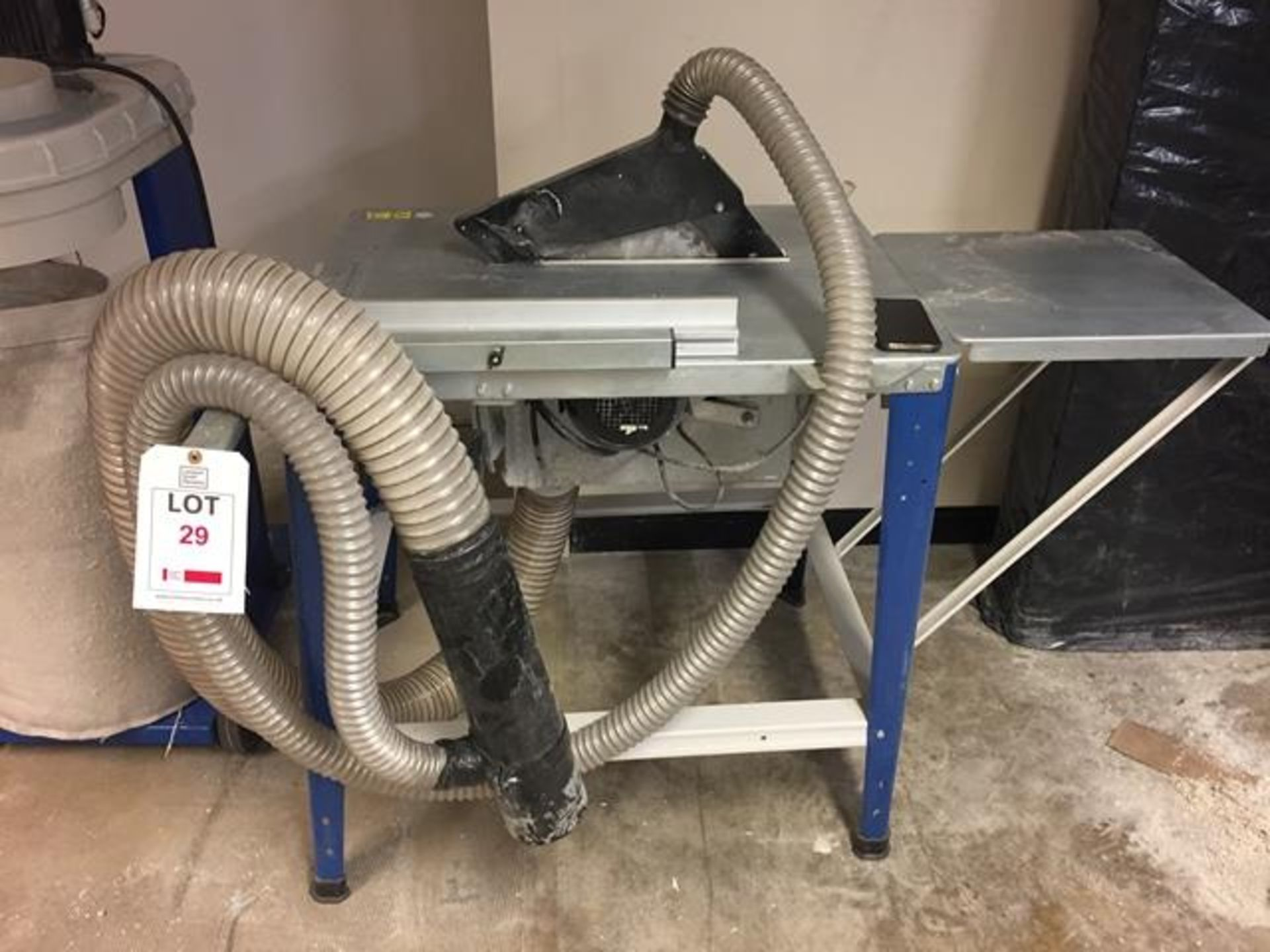 Los 29 - Scheppach Tisa 3.0 Table saw model 1901305904 s/n 0123-01014 DOM 10/2014 240v