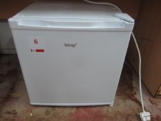 Teknix countertop fridge, microwave, Bosch pod coffee machine