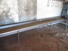 Stainless Steel freestanding bleed trough, approx. size: 6m x 780mm
