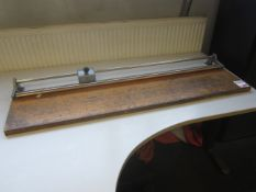 Unbadged paper guillotine