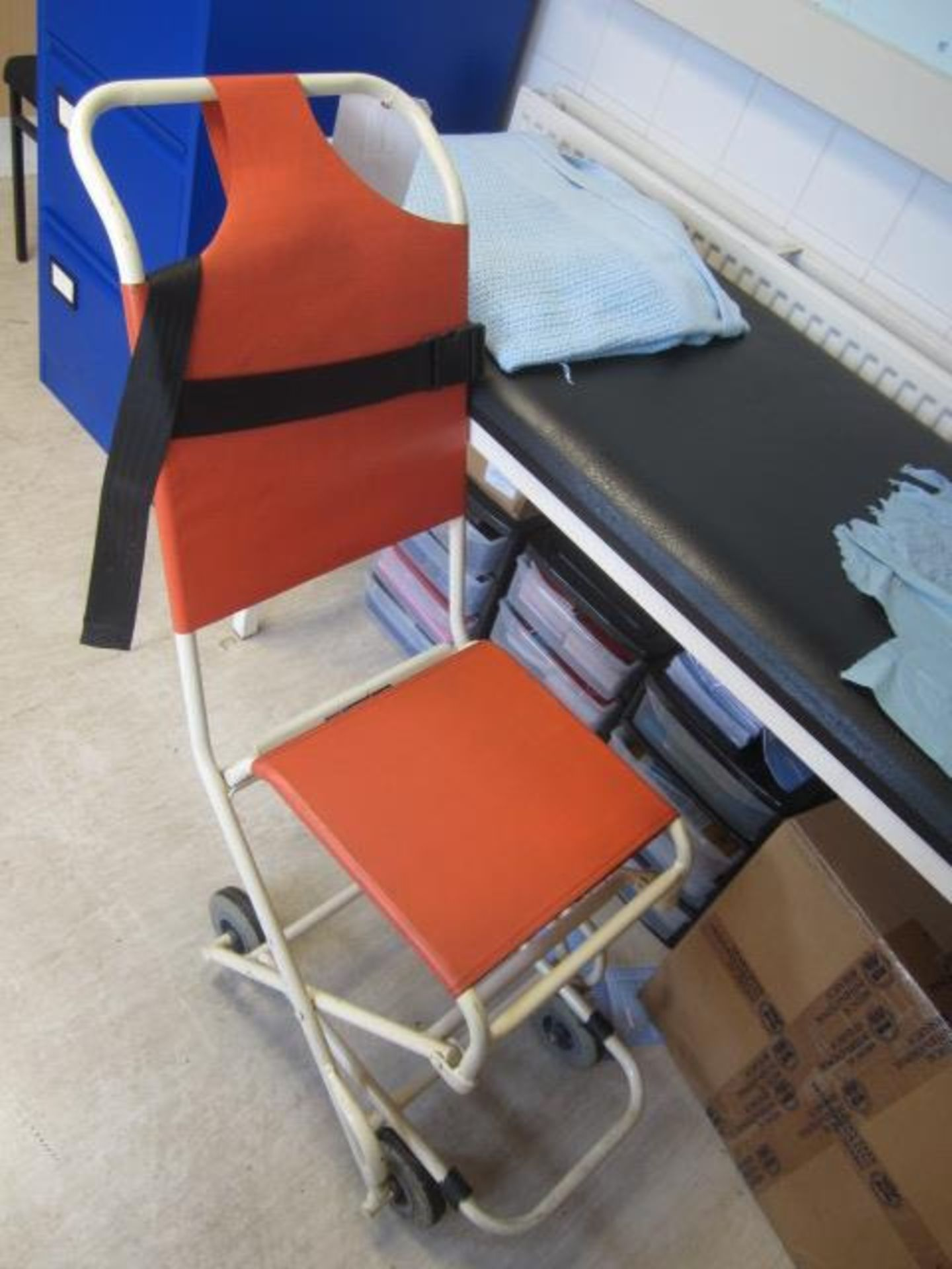 Ferno collapsible patient chair, First Aid bed, multi drawer mobile storage unit, magnifier - Image 2 of 2