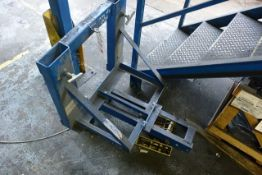 Contact forklift mountable frame, model PB-1-GG HD with grab attachment (NB: This item has no record