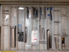 Contents of Drawer O - Grooving Tools (Acceptance of the final highest bid on this lot is subject to