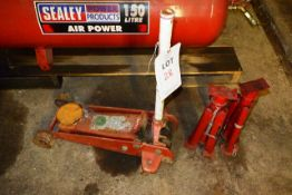 Unbadged trolley jack and two Sealey axle stands
