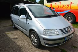 VW Sharon 1.9 SE TDI 130 diesel MPV, reg no DU05 AHJ (2005), MOT 29.01.21, recorded mileage: TBC,