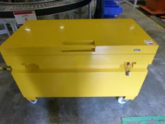 Wolf mobile tool vault, overall dimensions 1220mm x 610mm x 850mm
