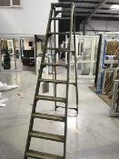Aluminium 10 tread A frame ladder (please note: This lot is located at the Swindon premises)