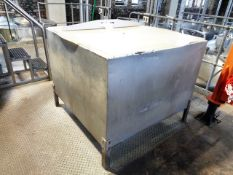 Steel framed feed silo 1250 x 1250 x 850mm (1050mm to floor) (Please Note: This lot has been