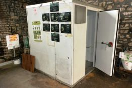 Single door, stand alone walk-in modular cold room, with twin fan evaporator and compressor,