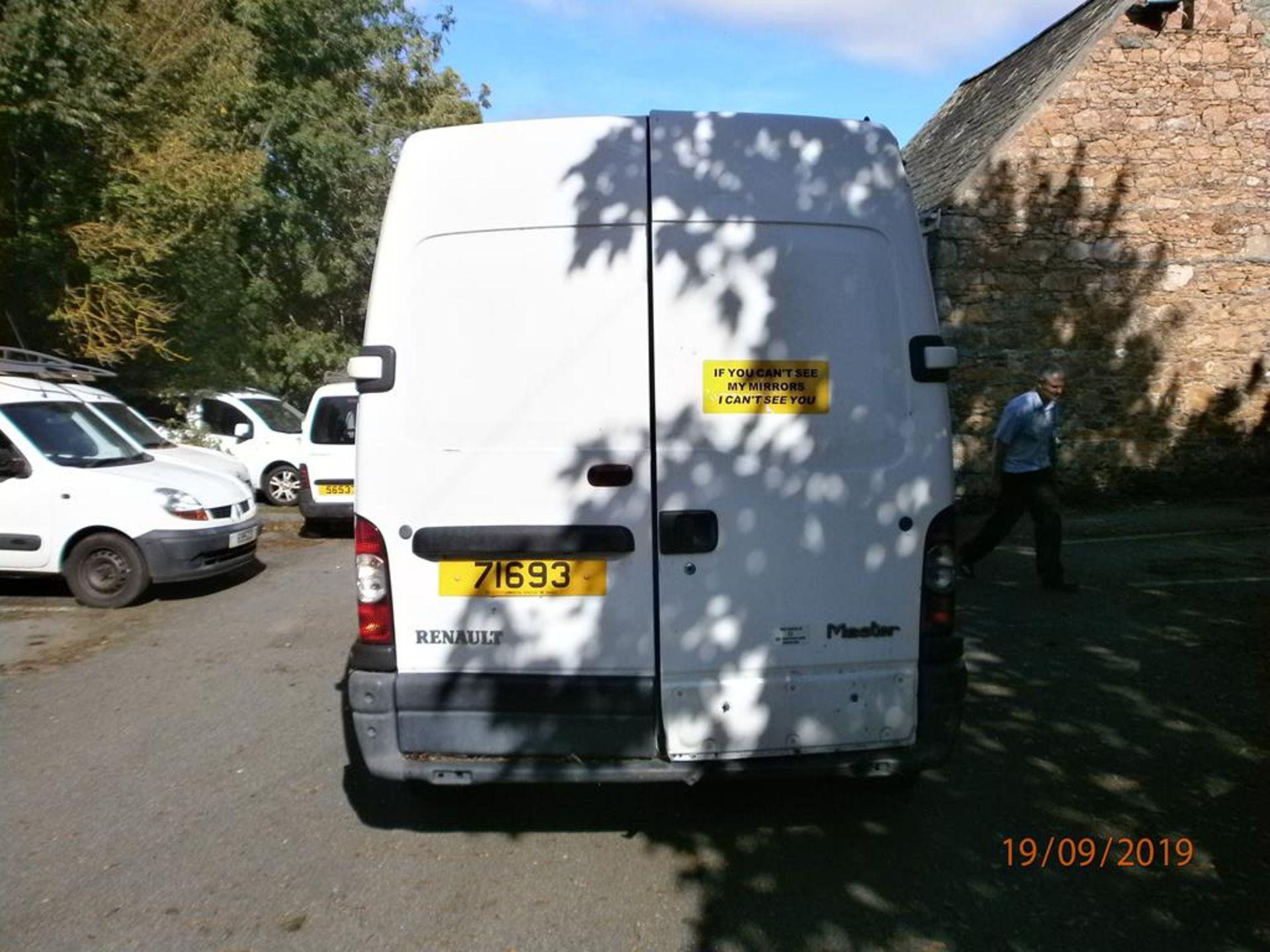 Lot 30 - Renault Master 2.4D LWB Van