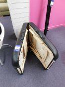 Jupiter fold-away massage table