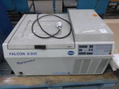Sanyo MSE Falcon Refrigerated Bench Centrifuge