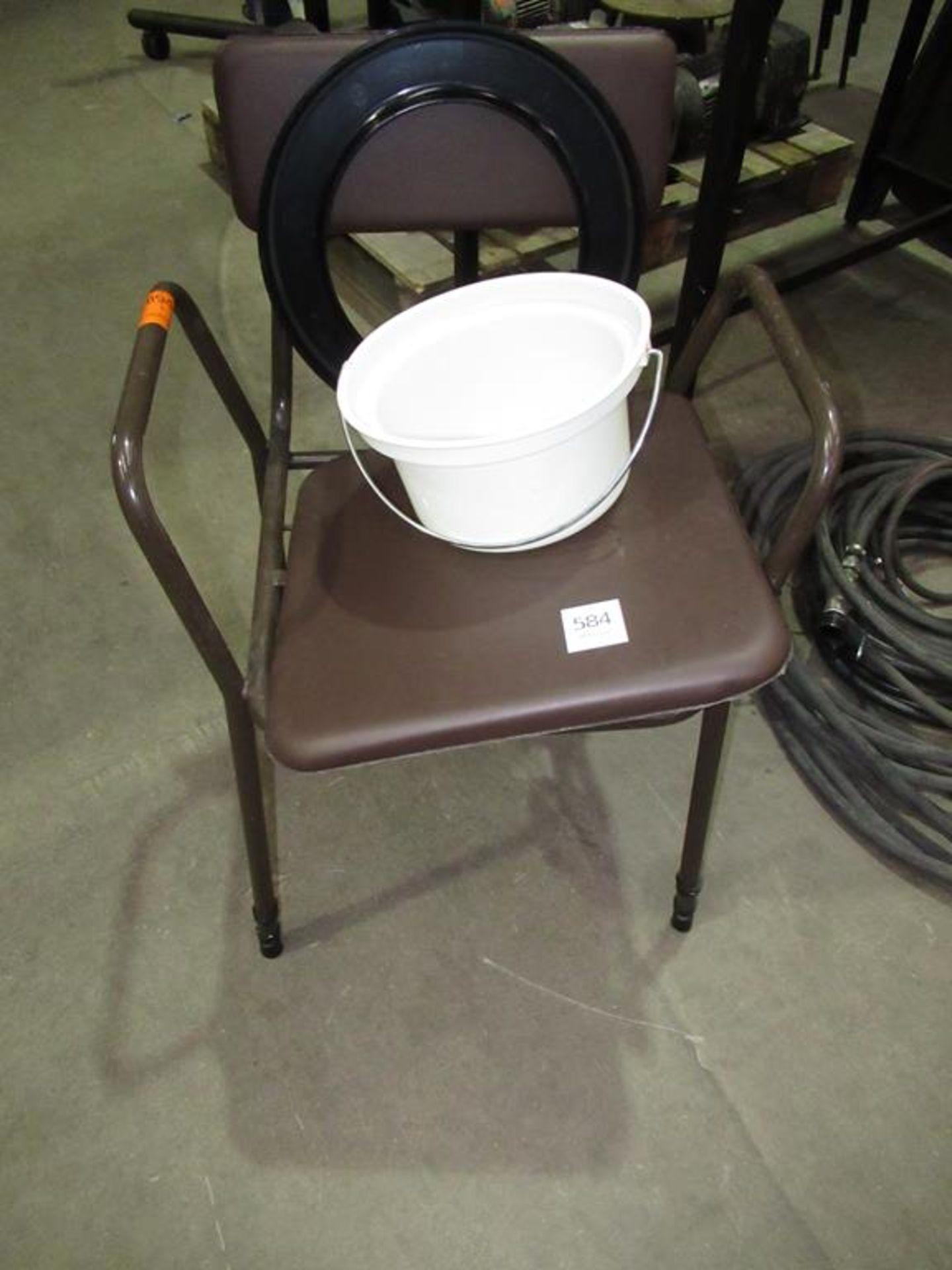 Lot 584 - A Comode Chair