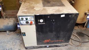 Ingersoll Rand UP5 packaged compressor 8-bar, serial number 2104877 (2012)