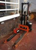 Robur ERG0800B Pedestrian Electric Forklift, 800Kg capacity with charger, 240V
