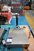 Defender 3000 Digital Scale 30kg Capacity