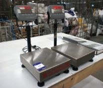 2 Ohaus 3000 Series Digital Scales, 30kg Capacity