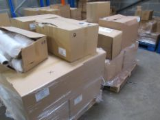 10 x boxes of Cotton Wool Roll, 4 x boxes of 4lb Neck Wool, 1 x box of 2.5lb Neck Wool, box of Cotto