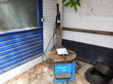 Hoffman Monty 2300 Tyre Machine – Disconnection required by a qualified engineer