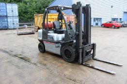 Nissan 30 LPG forklift truck, Model UGID2A30 PQ, Mast 2W 330, Max lift height 3.3m, Lift Capacity