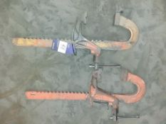 2 x large carver clamps. This lot is Buyer to Remove.