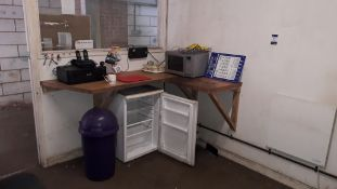 Contents of office to include kitchen sundries, Canon MG4250 Printer and Vehicle Seating