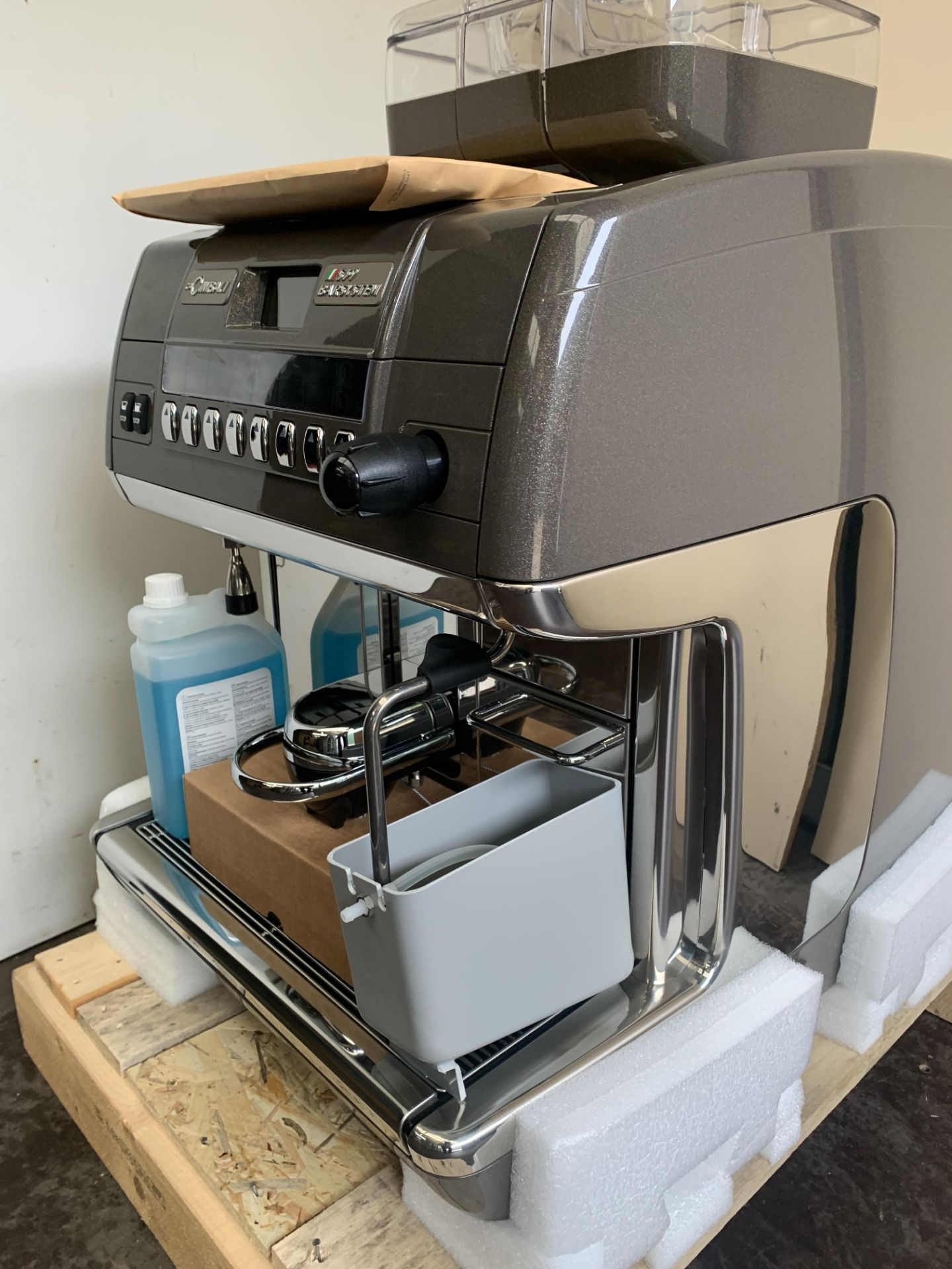A unused La Cimbali S39 TE Bar System Bean to Cup - Image 3 of 7