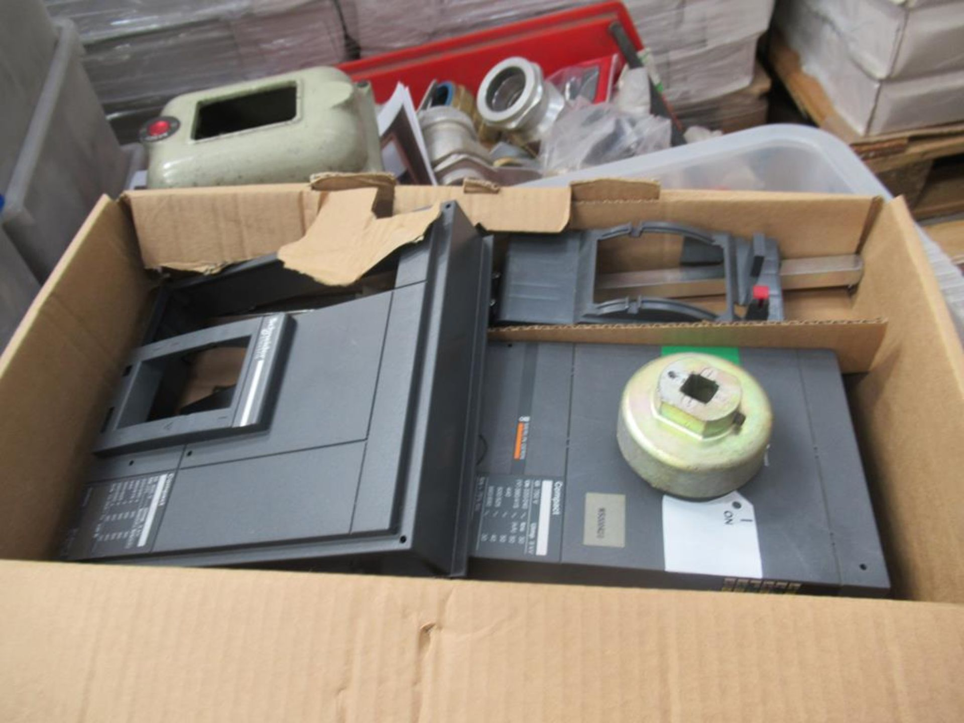 Pallet including a large qty of MCBs and RCDs, bar - Image 5 of 11