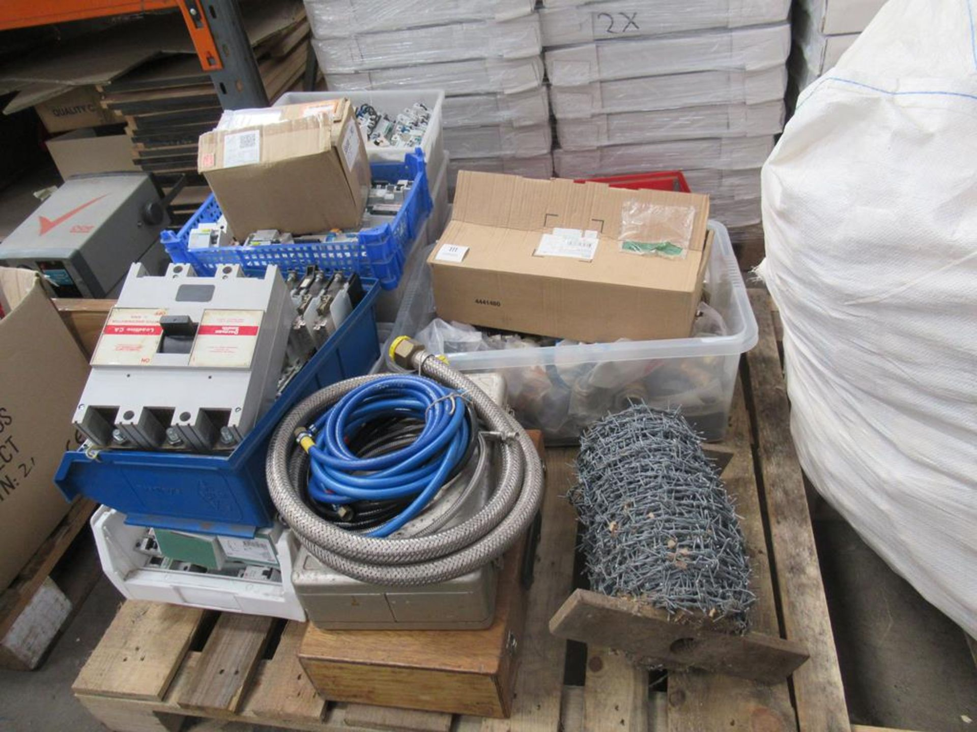 Pallet including a large qty of MCBs and RCDs, bar