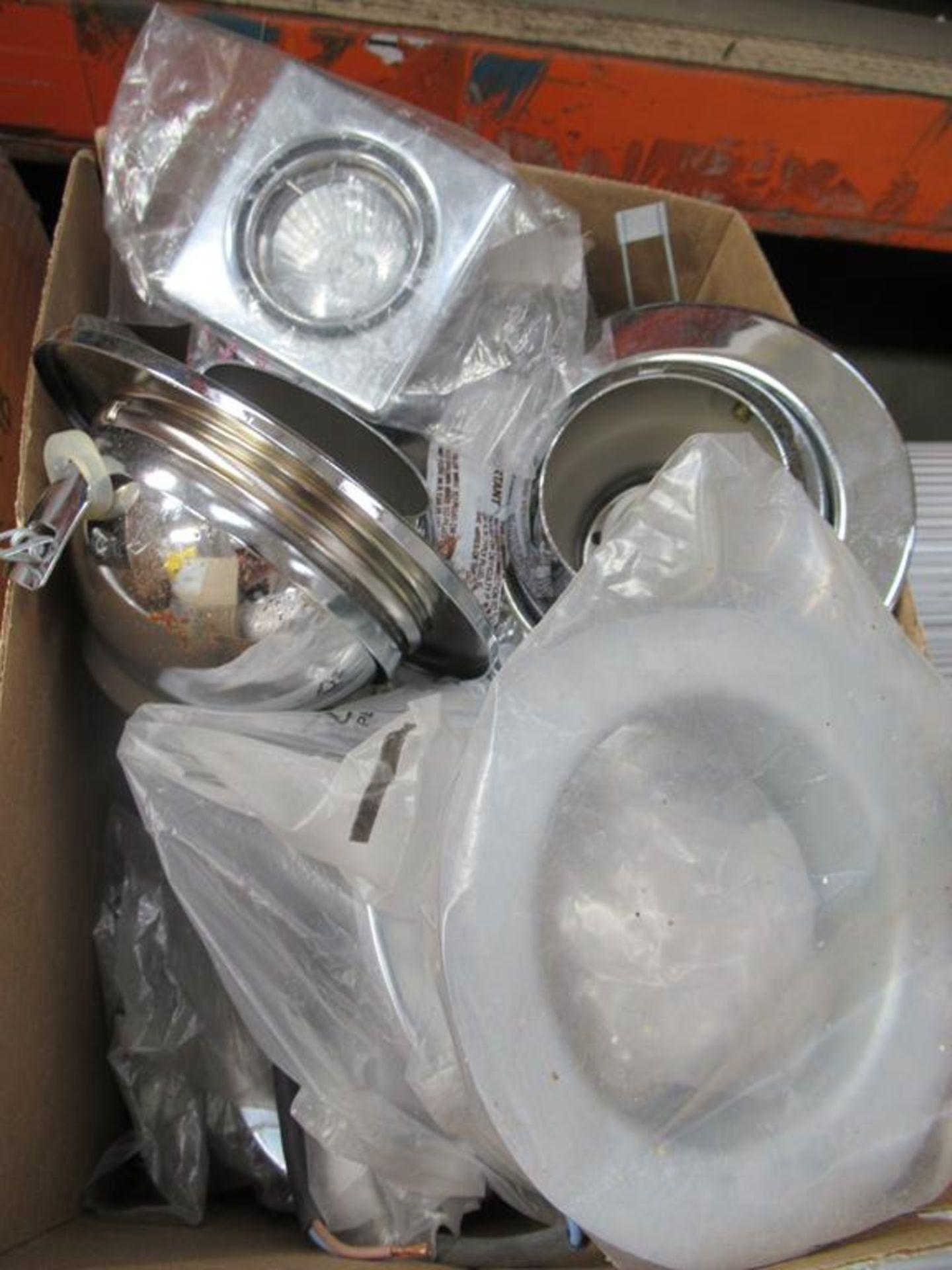 Pallet of assorted lighting including spot lights, - Image 4 of 11