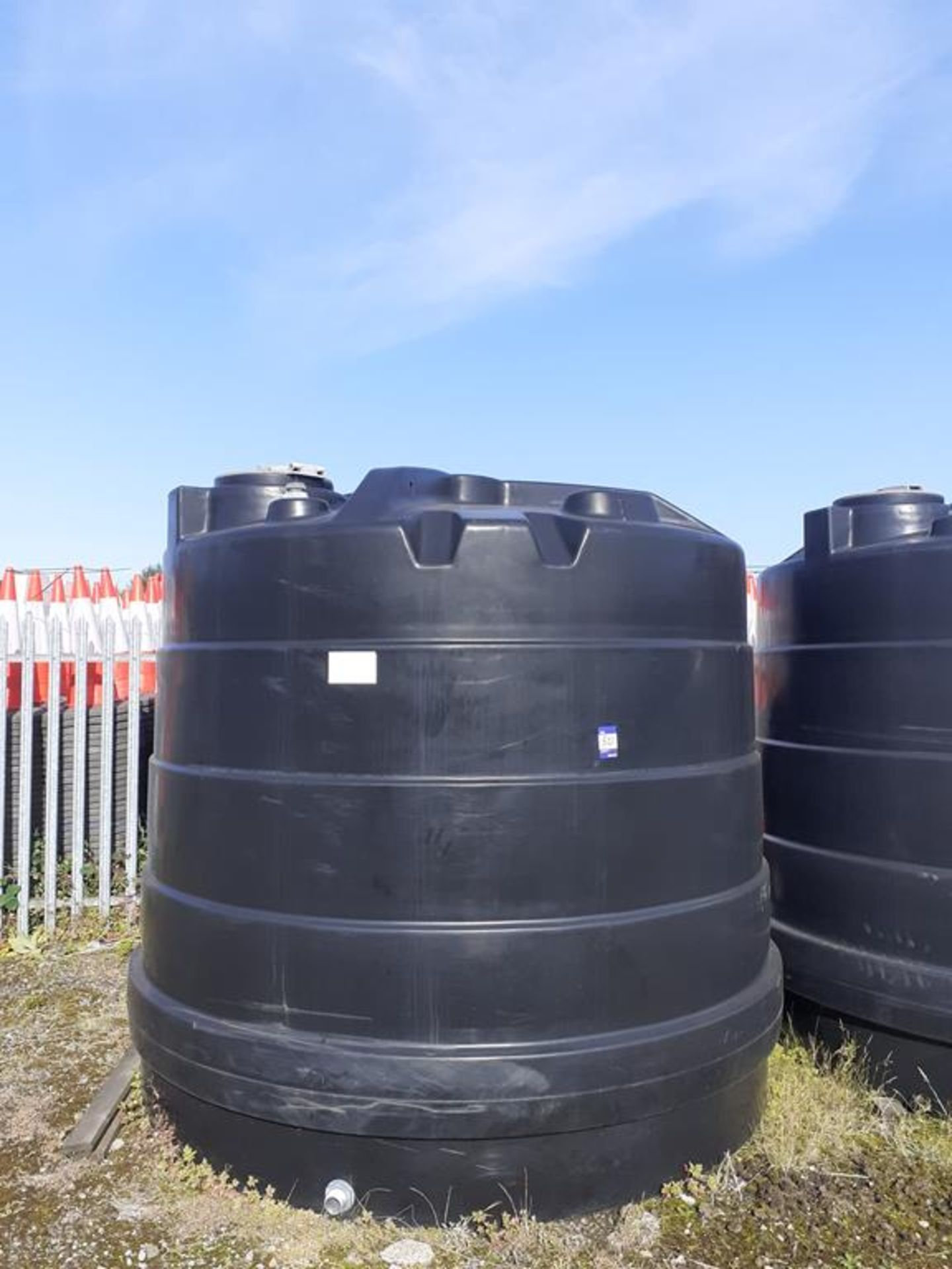 'Titan' 10,000L capacity portable water tank