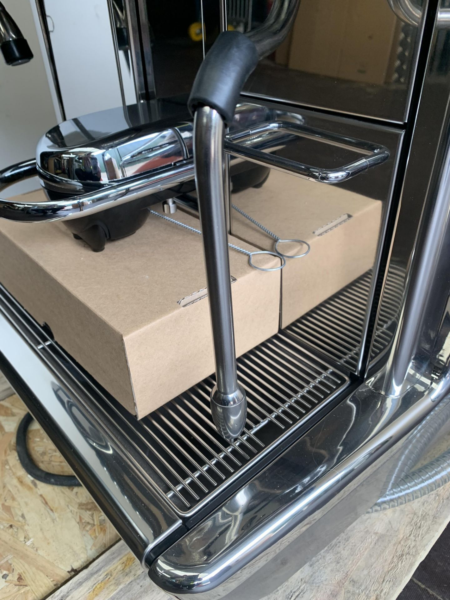 A unused La Cimbali S39 TE Bar System Bean to Cup - Image 2 of 9