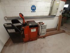 Linde T20AP-02 Pallet Truck (Condition Unknown)