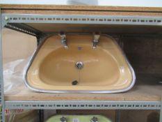 3 x Vintage Styled Coloured Sink Basins