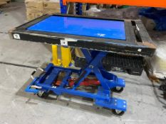 Global Industrial 500kg Mobile Lifting Trolley