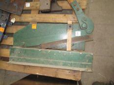 Manual guillotine