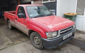 Toyota Hi-Lux 2.4D 2WD Pick Up, diesel, colour Red