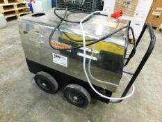Cleanwell 3000 Hot Water Pressure Washer