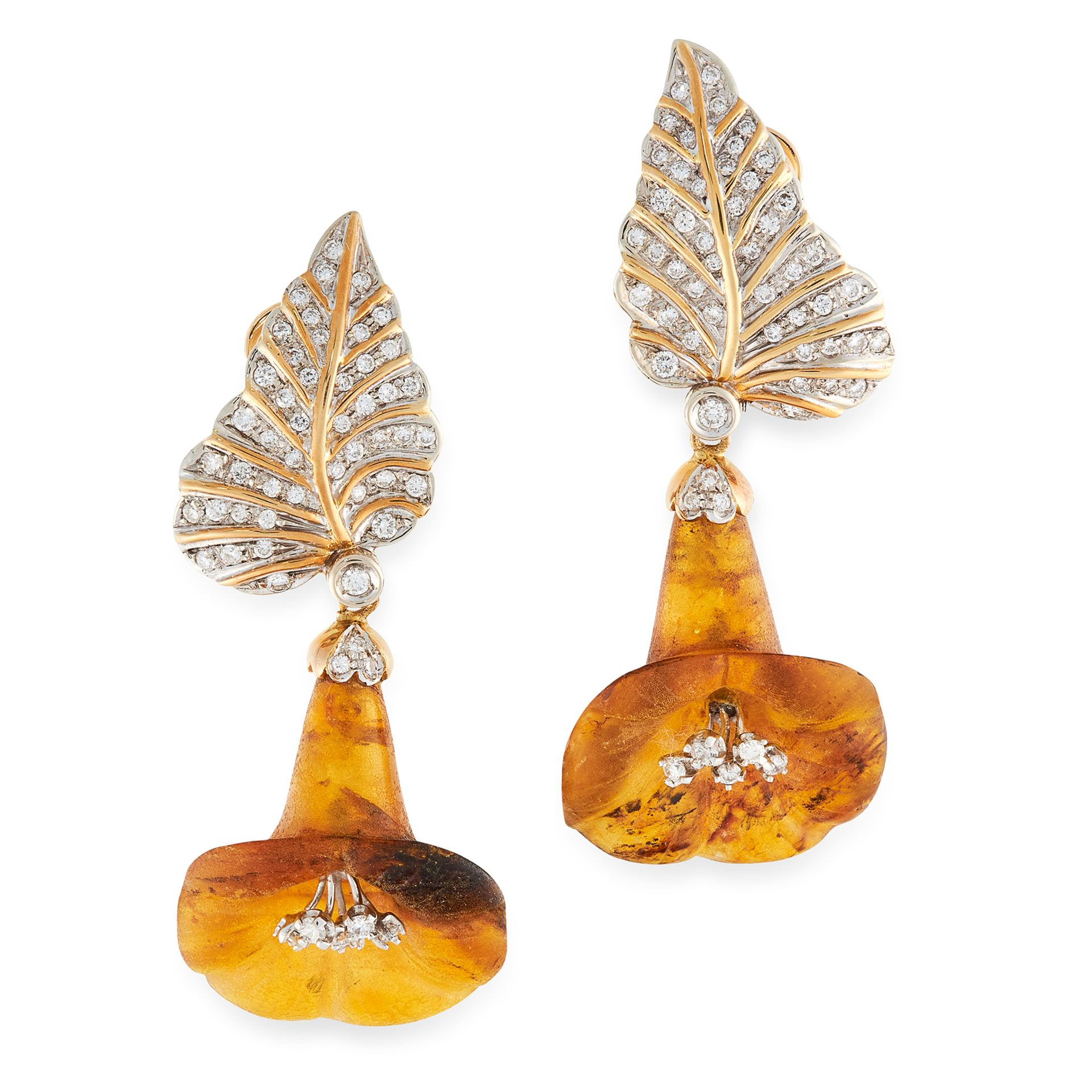 A PAIR OF DIAMOND AND AMBER FLOWER EARRINGS in yellow gold, in the form of a leaf set with round cut