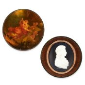 AN ANTIQUE FRAMED CAMEO the circular wooden frame with inset gold mounted oval aperture featuring