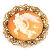 AN ANTIQUE CAMEO BROOCH, 19TH CENTURY set with a central carved shell cameo depicting a classical