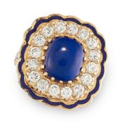 A DIAMOND, ENAMEL AND LAPIS LAZULI RING in 14ct yellow gold, the scalopped edge decorated with