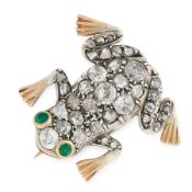 AN ANTIQUE DIAMOND AND EMERALD FROG BROOCH, 19TH CENTURY in yellow gold and silver, designed as a