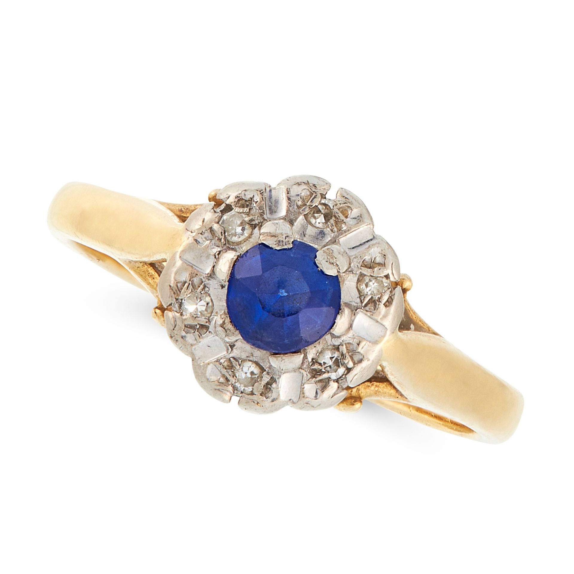 A SAPPHIRE AND DIAMOND CLUSTER RING in 18ct yellow gold, set with a round cut sapphire in a border