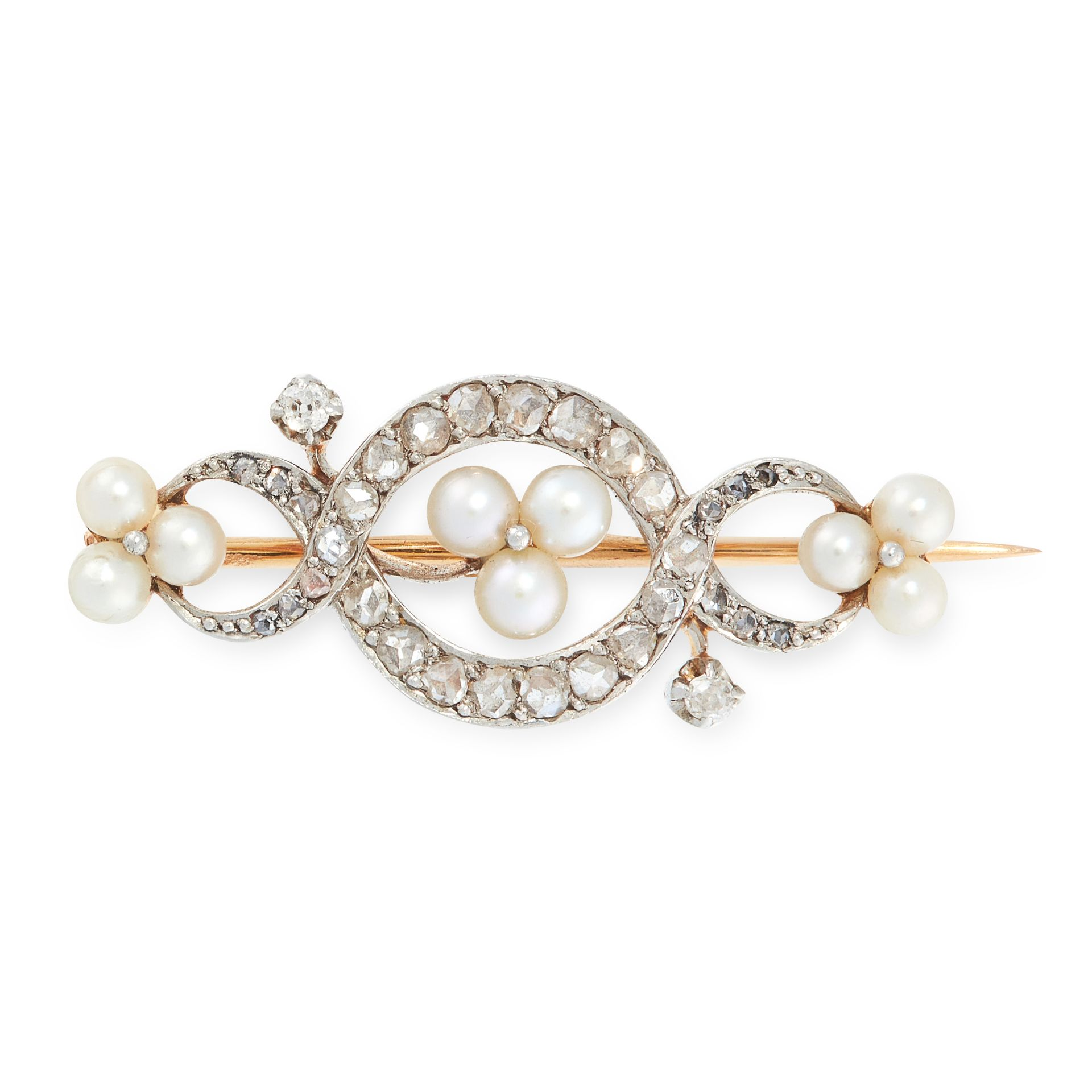 AN ANTIQUE PEARL AND DIAMOND BROOCH in yellow gold and silver, set with a central trio of pearls
