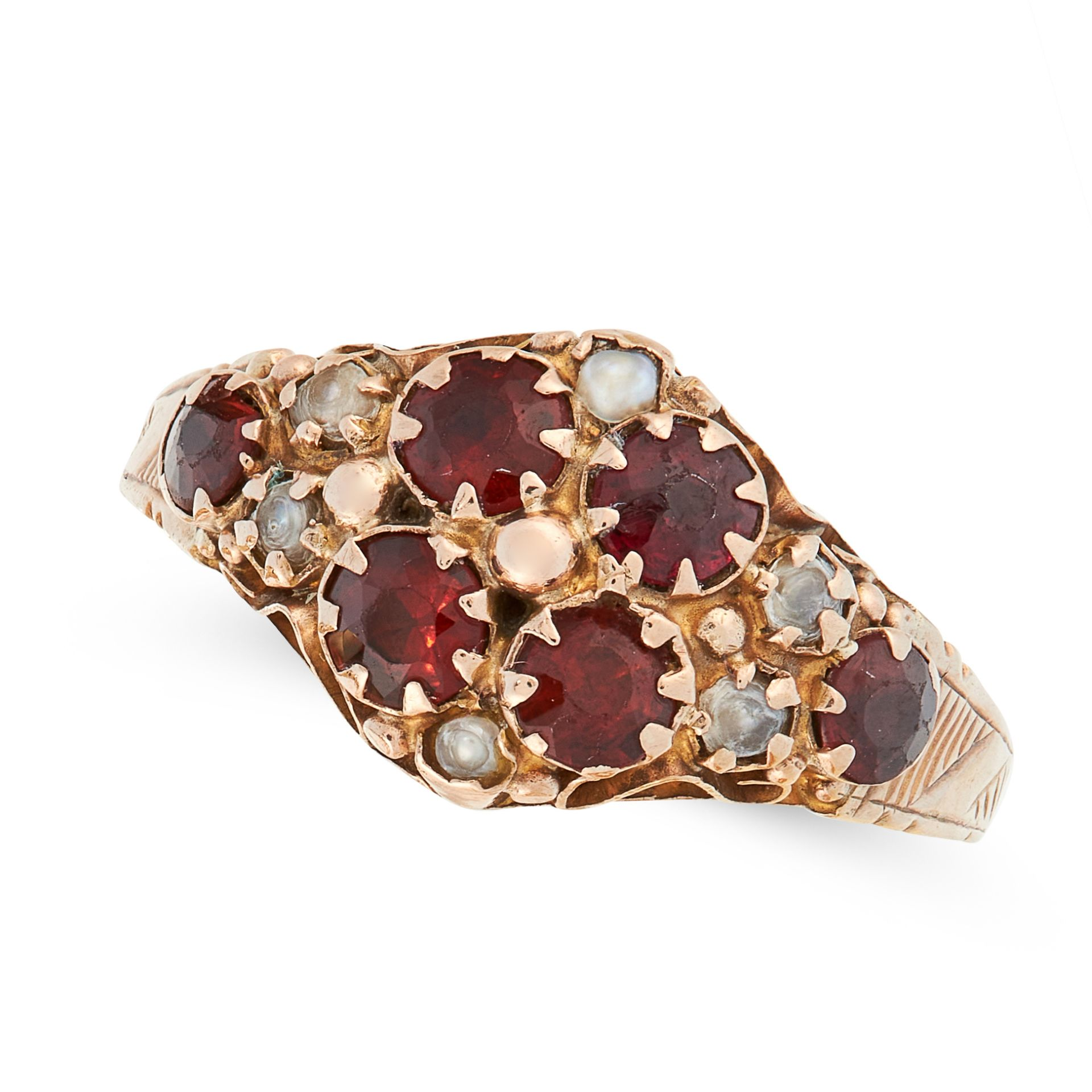 AN ANTIQUE GARNET AND PEARL RING in 9ct yellow gold, the face is set with a cluster of round cut
